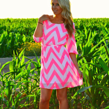 CAPTURING HEARTS CHEVRON DRESS IN MINT