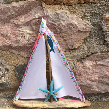 Sailboat, driftwood sailboat, bedroom decor, yacht ornament, nautical theme, coastal decor, gift for girl, decor, home decor, gift, art
