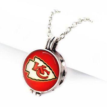 Hot selling 6pcs 27mm Kansas City Chiefs Football Sports Team Perfume Diffuser Lockets Pendant With (50cm)chain For Accessories