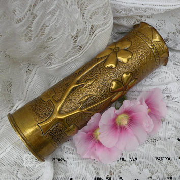 French antique artillery shell case, trench art, floral brass vase, floral trench art, great war antiques, militaria, cartridge case