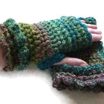 Ladies Fingerless Gloves/Mitts Crocheted with double Ruffle. Womens Fashion Accessories, Wristwarmers, Handwarmers.