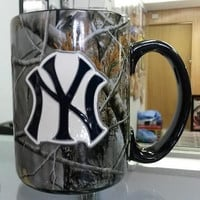 MLB New York Yankees 15oz Ceramic RealTree Camouflage Mug with Logo