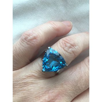 Vintage geniune London blue topaz 925 sterling silver black rhodium Ring