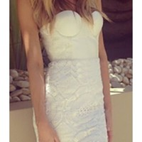 White Lace Strapless Sweetheart Neck Bustier Zip Back Scallop Hem Bodycon Midi Dress