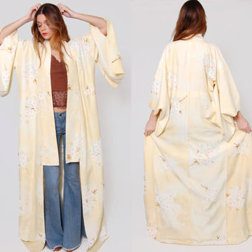 Vintage 70s SILK Kimono Butter Cream PASTEL FLORAL Asian Jacket Japanese Maxi Robe Draped Boho Duster