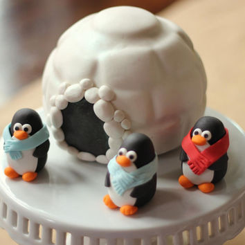 Set of 3 penguin fondant toppers.  perfect for your Christmas penguin cake topper