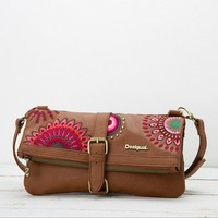 Brown messenger clutch | Desigual.com
