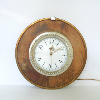 Vintage Electric Wall Clock / Mid Century Sunbeam / Industrial Shabby Wood