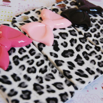 SALE: Iphone 5 Snow Leopard Cheetah Print Iphone 5 Cell Phone Case with Large Bow