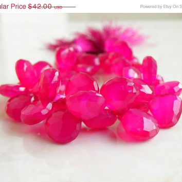 51% OFF Hot Pink Fuchsia Chalcedony Gemstone Faceted Heart Briolette Top Drilled 12.5mm 21 beads 1/2 Strand