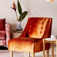 Inez Tufted Velvet Chair | Urban Outfitters