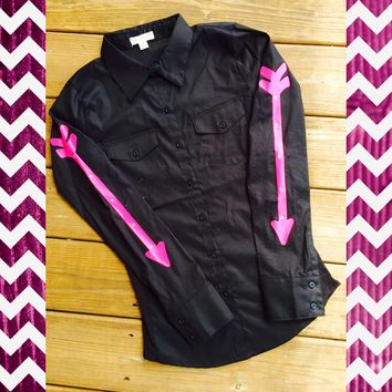 BLACK FITTED RODEO SHIRT WITH PINK ARROWS
