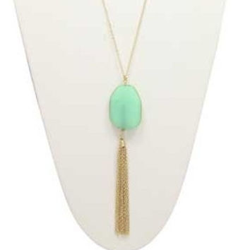 //Green/Gold Tassel Necklace//