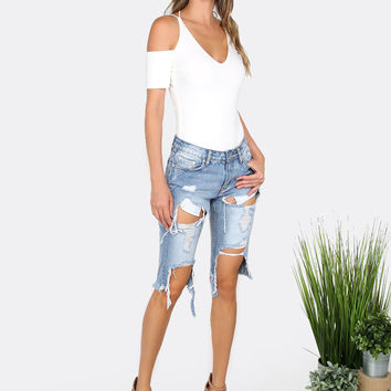 Frayed Destroyed Wash Bermuda Jeans DENIM | MakeMeChic.COM