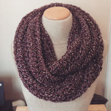 Chunky Infinity Scarf, Burgundy and white Infinity Scarf, Oxblood infinity scarf, Maroon infinity scarf, Womens Circle Scarf