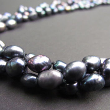 BLACK PEARLS Triple Strand Necklace~Beautiful Shades of Blues~Purples~Stunning Fresh Water Black Pearls~Women's Jewelry~