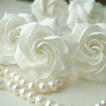 White bridal hair flower gardenia,  Bridal flower hair clip, Wedding hair flower, Wedding hair pin, Bridal hair pin, Flower hair pin