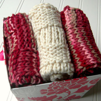 Wash Cloth Set Strawberries and Cream by WindyCityKnits on Etsy
