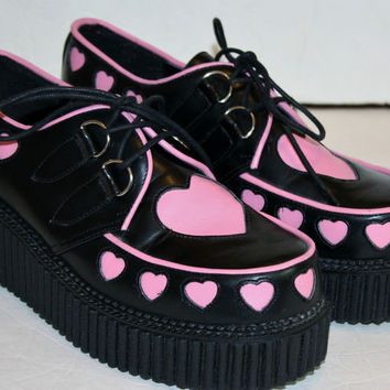 DEMONIA Women's 9 Pink Heart Creeper 126 Platform Shoes Oxfords GREAT CONDITION