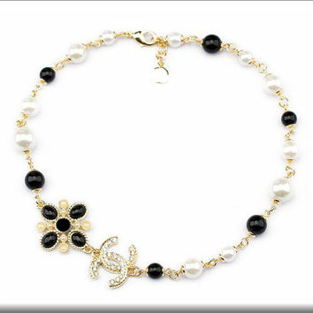 Fashion Pendant Chain Crystal inspiration women letter buckle white and black beads Charm Collar Designer inspiration Pendant Necklace