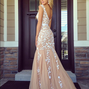 Cap Sleeve Scoop Lace Appliques Champagne Prom Dresses Long  New Design Floor Length Backless Tulle Mermaid Prom Gown