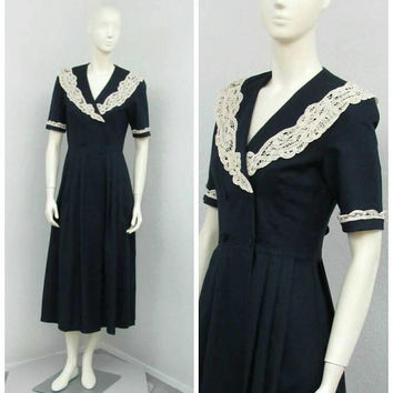 Vintage 80s Laura Ashley Navy Sailor Dress, Lace Collar Dress, Maxi Dress, Nautical Dress, Wrap Dress, Long Summer Dress, Sailor Collar