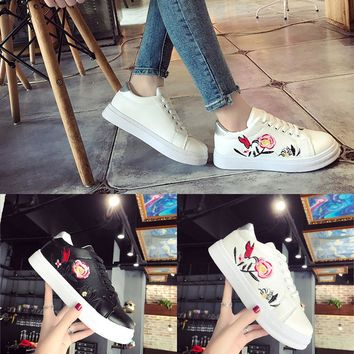 Women Sport Runn Sneakers Embroidery Flower Shoes Leisur Shoes Small White Shoes