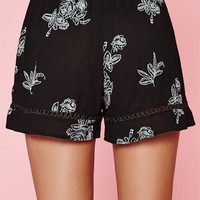 Kendall & Kylie Embroidered Floral Shorts at PacSun.com