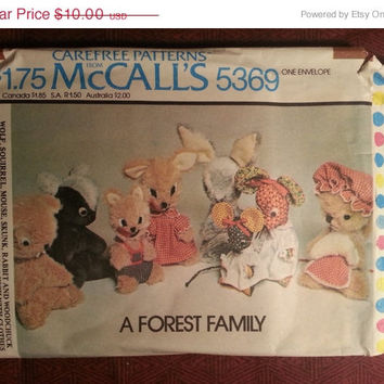 Uncut 1970's McCall's Sewing pattern, 5369!  A Forest Family/Stuffed Animal Dolls/Doll Clothes/Mouse/Skunk/Rabbit/Woodchuck/Squirrel/Wolf