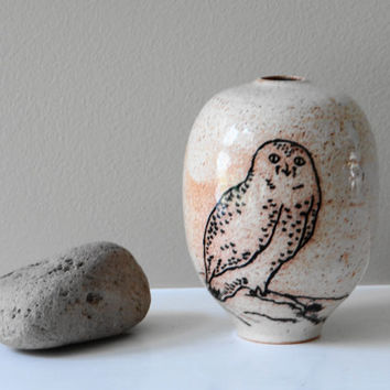 White Snowy Owl Vase, Bud Vase, Small Pottery Vase, Ceramic Vase, Stoneware Vase, Bird Vase, Mother's Day gift