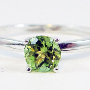 Peridot Solitaire Ring Sterling Silver, August Birthstone Ring, Peridot Gemstone Ring, Sterling Silver Solitaire Ring, 925 Solitaire Ring