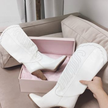 VINTAGE White Leather Western Heel Boot