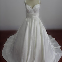 Real Samples Plus Size Princess Wedding Dresses Spaghetti Straps Wedding Gowns Chapel Train Bridal Gowns Custom Made Bridal Dress Ball Gown