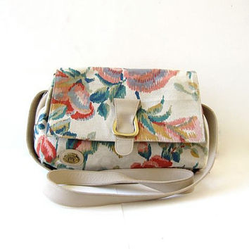 20% OFF SALE Vintage floral purse. Etienne Aigner purse. Leather & canvas bag. Preppy shoulder purse.