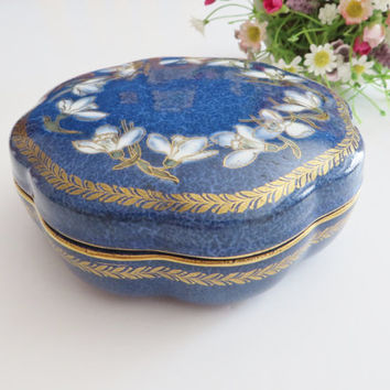 Wedgwood antique blue lidded bowl. Snowdrops, Blue powder bowl, Trinket dish.