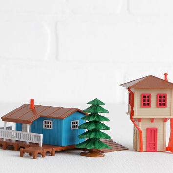 Vintage 1989 Galoob Micro Machines Buildings and Pine Tree, Train Station Depot