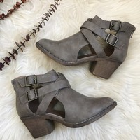 IDELLE CUT OUT BOOTIE- TAUPE