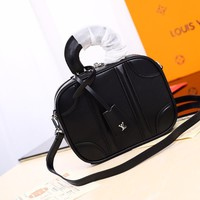 Kuyou Gb2981 Louis Vuitton Lv M44582 Monogram Mini Luggage Handbags Black Should Bag 20*16*7cm