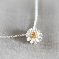 Tiny Silver Daisy Necklace by laonato on Etsy