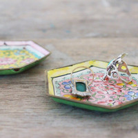 vintage 1930s enamel trinket dishes