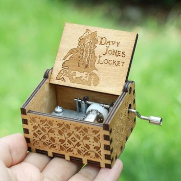 Star Wars Force Episode 1 2 3 4 5 20 Kinds Antique Carved Wooden  Hand Crank Music Box Davy Jones   Theme Music Box Birthday Present AT_72_6