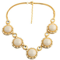Women Luxe Faux Pearl Metallic Statement Necklace