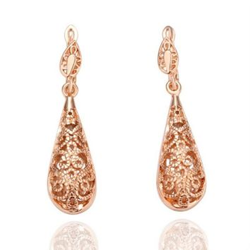 Vintage Gold Color Hollow Filigree Teardrop Drop Dangle Bridal Earrings Fashion Wedding Jewelry