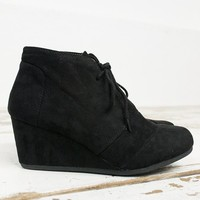Desert Suede Low Wedge Shoe/ Black