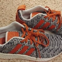 NEW Adidas NMD R2 solar red legend ink size 8.5