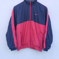 Red navy blue nylon NIKE back logo swoosh jacket windbreaker with zipper and front pocket, for running training, fits size L