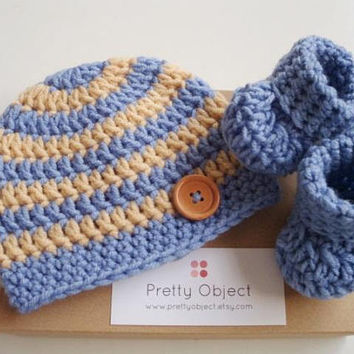 Newborn boy hat and shoes New baby gift set Crochet baby hat Crochet baby booties Baby shower gift New baby photo prop Blue baby shoes