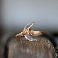 Moonbeam Ring - Rose Quartz