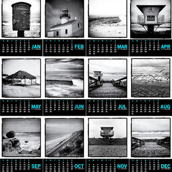 "2014 San Diego Beach Photography Black and White 5x7"" Mini Desk Calendar with Wood Easel - Stocking Stuffer Christmas Gift Under 25"