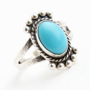Vintage Sterling Silver Blue Stone Ring - Size 6 Native American Style Southwestern Boho Jewelry / Tribal Embossments